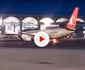 Los neumáticos de un Boeing 737-800 de Turkish Airlines salen ardiendo antes de despegar